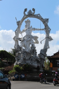 Just stunning these statues - they are everywhere in Bali!